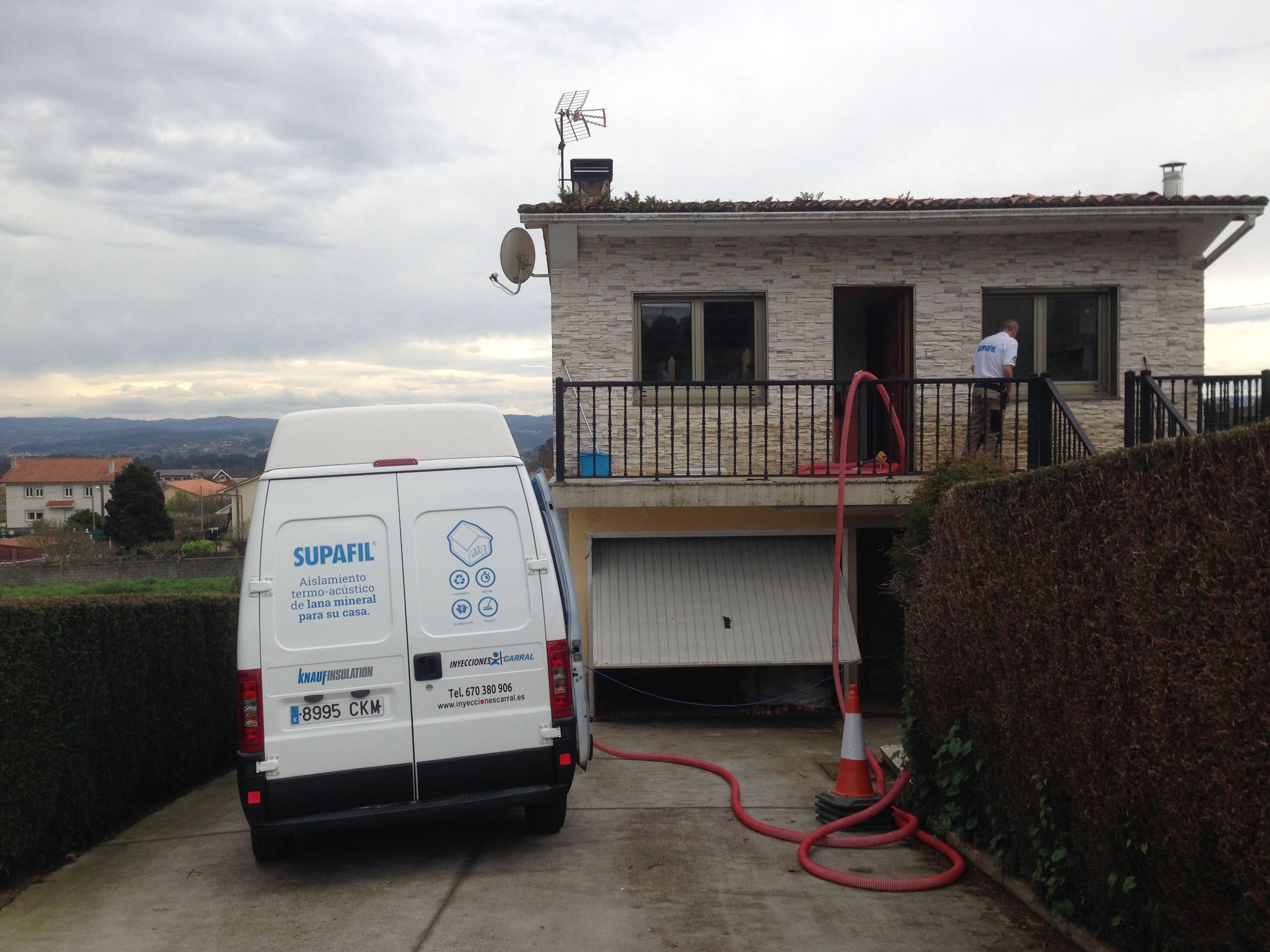 Aislamiento de vivienda unifamiliar por insuflado en cámara de aire